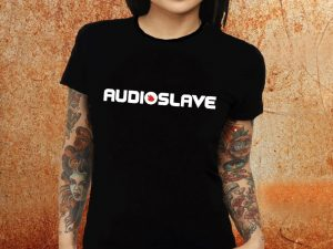 Camiseta feminina baby look Audioslave preta Estamparia Rock na Veia