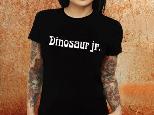 Camiseta Feminina baby look Dinosaur Jr preta Estamparia Rock na Veia