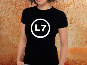Camiseta feminina baby look L7 preta Estamparia Rock na Veia