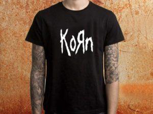 Camiseta masculina Korn preta Estamparia Rock na Veia